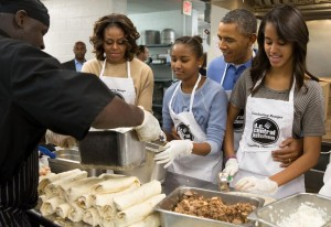 Barack-Michelle-Sasha-Malia-Obama-DC-Central-Kitchen-MLK-Day-of-Service
